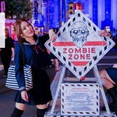 「遊記」大家好,我們是水手服喪屍女高中生|日本大阪環球影城萬聖節特別活動,街頭殭屍就能打卡打到飽
